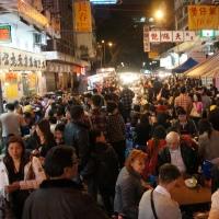 Targul de noapte-Temple-Street-Hong-Kong